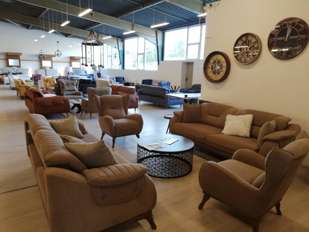 Sofa - Sessel -Wohnzimmer - Lounge - Wohnlandschaften